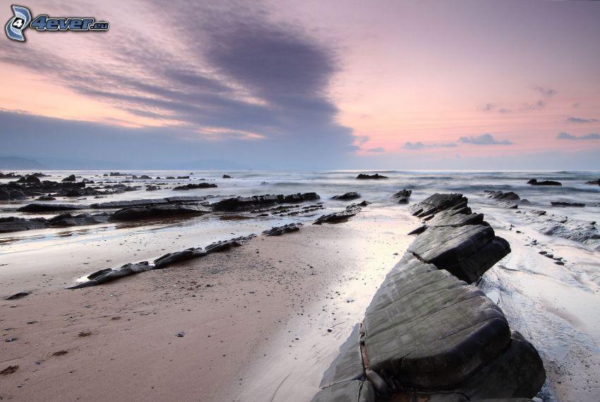 morze, kamieniste nadbrzeże