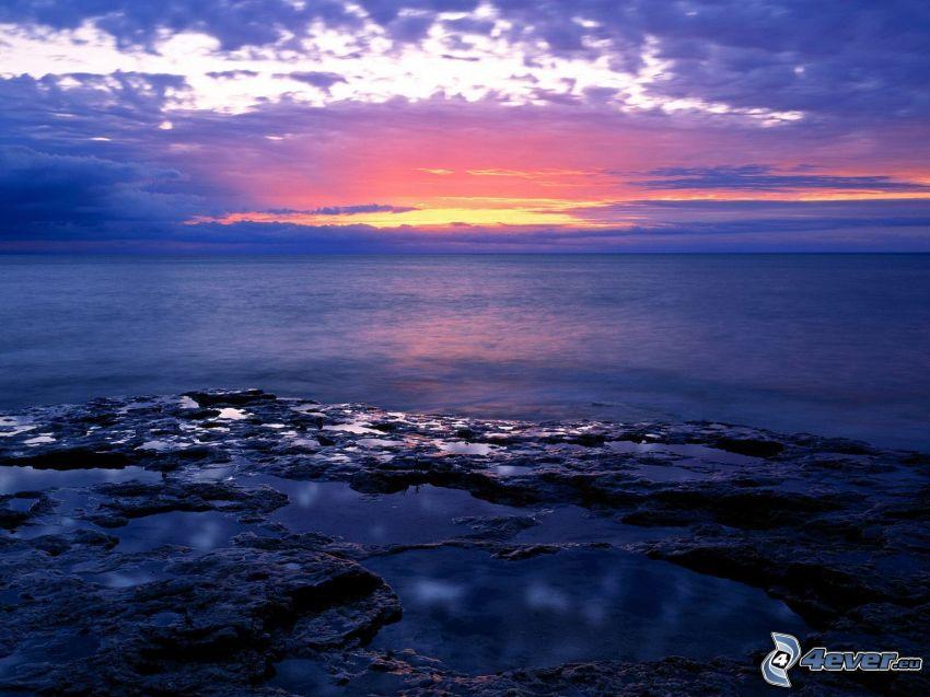 morze, skalisty brzeg, zorza wieczorna, niebo