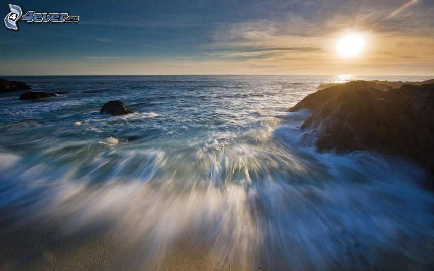 morze, zachód słońca nad morzem