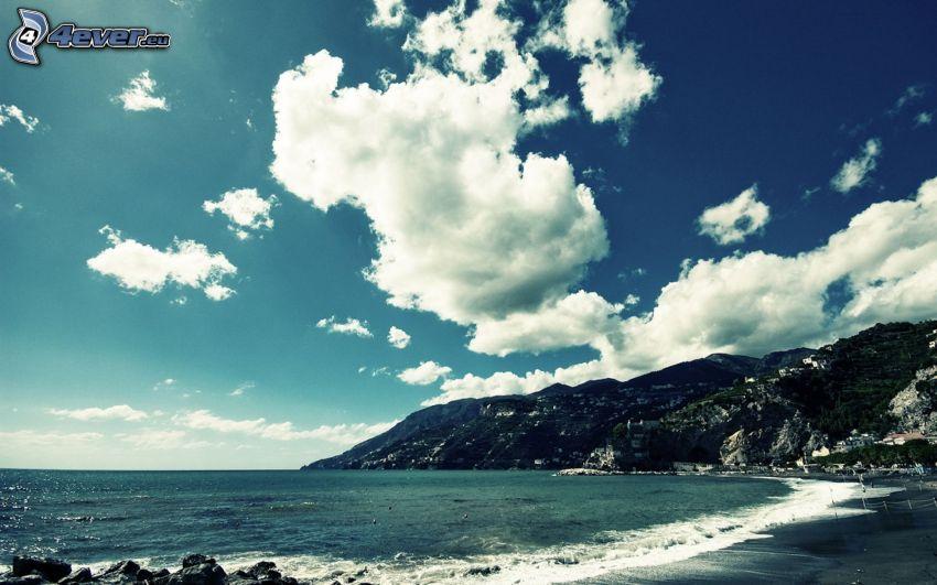 plaża, skalisty brzeg, morze, chmury