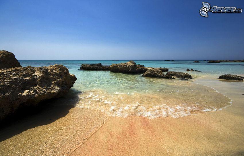 plaża piaszczysta, Skały na morzu