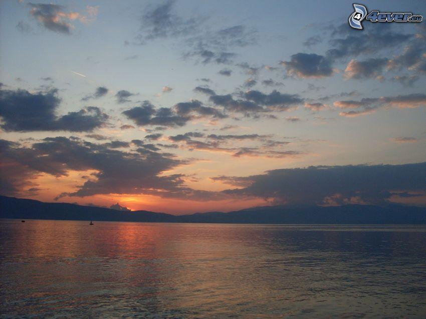 wschód słońca, morze, chmury