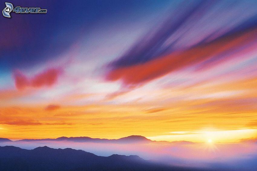 kolorowe niebo, pasmo górskie, zachód słońca