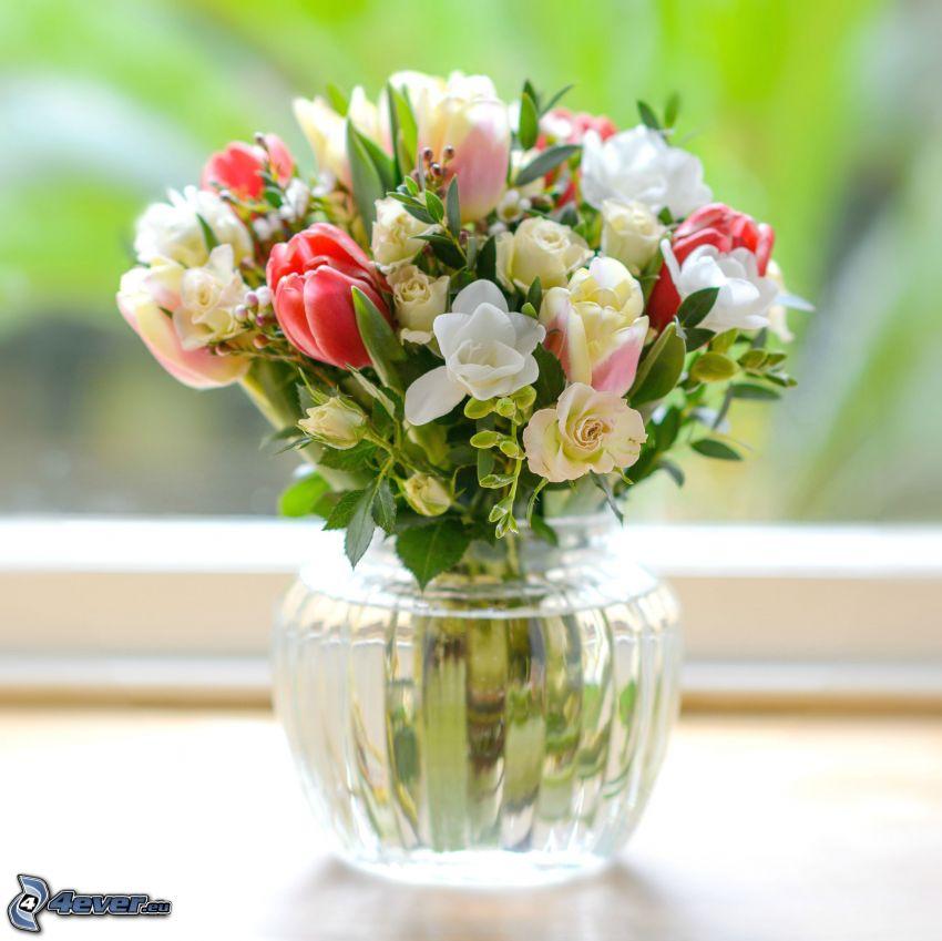 bukiet, kwiaty w wazonie, tulipany