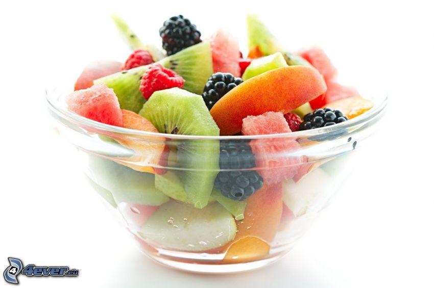 owoc, brzoskwinie, jeżyny, maliny, kiwi, miska