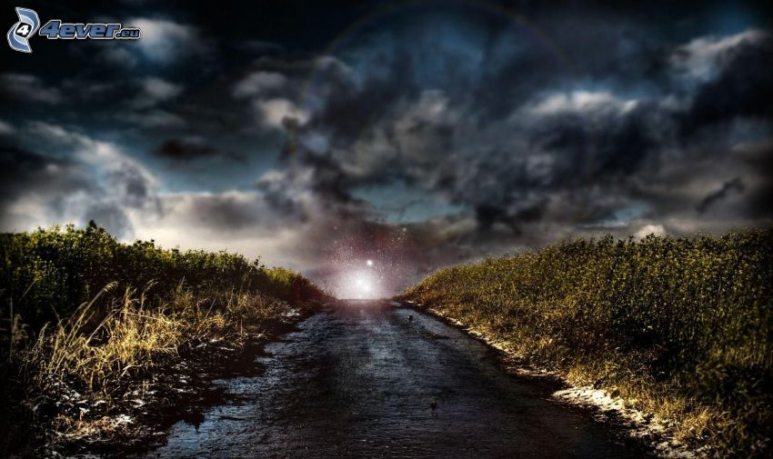 ulica, ciemne chmury, pole