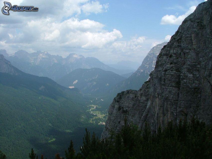 widok na dolinę, skały, wzgórza