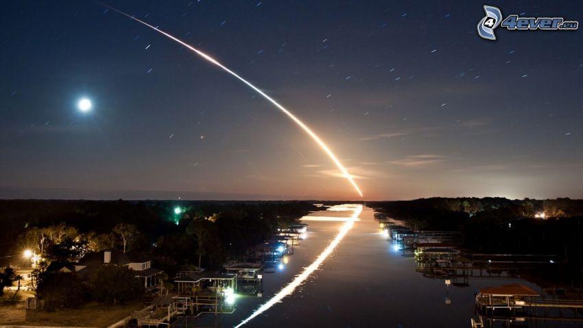 start rakiety, rzeka