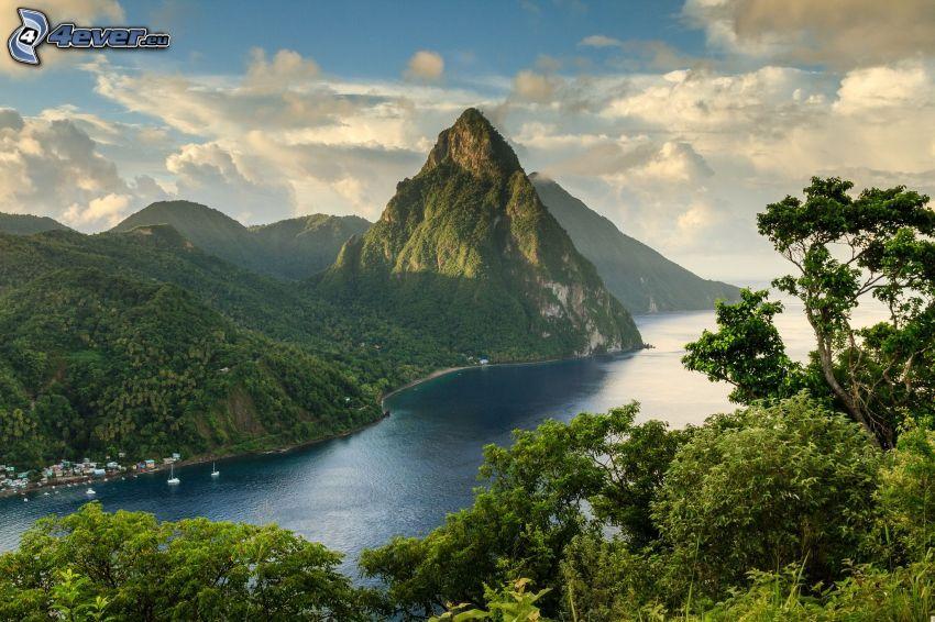 wzgórze, góry, rzeka, drzewa, chmury