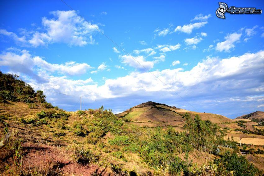 wzgórze, łąka, chmury