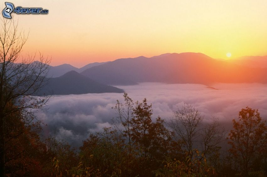 zachód słońca, pasmo górskie, inwersja