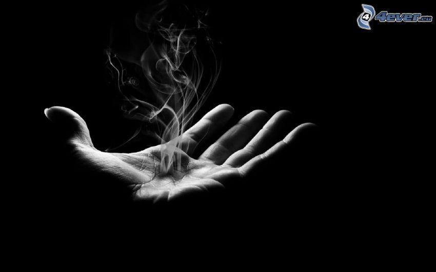 dłoń, dym, czarno-białe