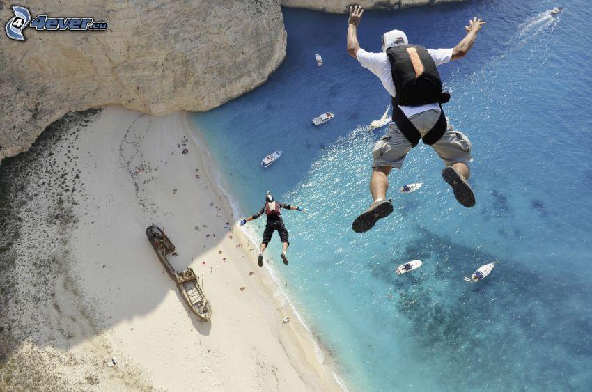 BASE Jump, plaża piaszczysta, morze, statki