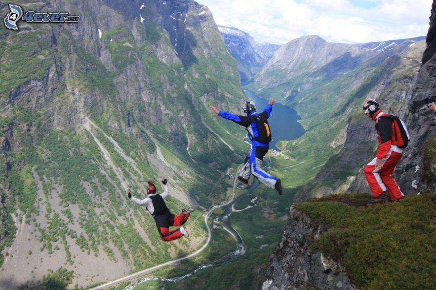 BASE Jump, skok, dolina