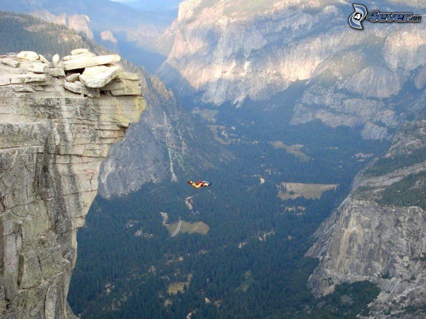 BASE Jump, skok, skały, dolina