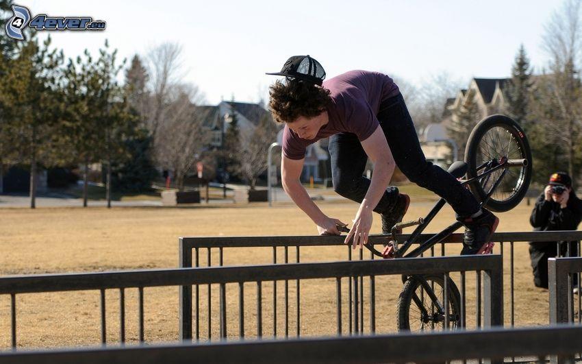 chłopak, BMX, poręcz, skok