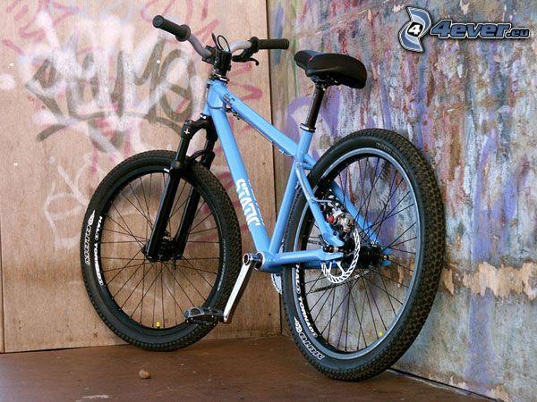 rower, ściana