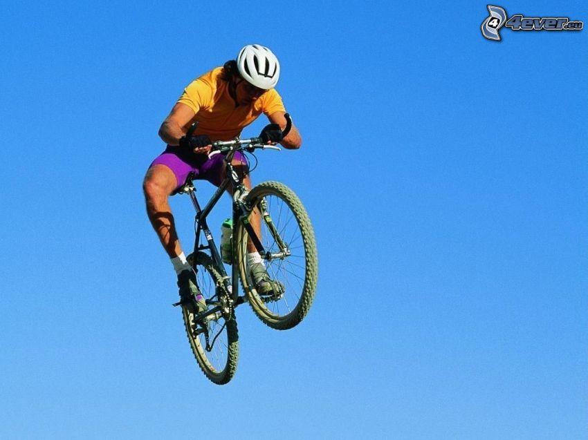 skok na rowerze