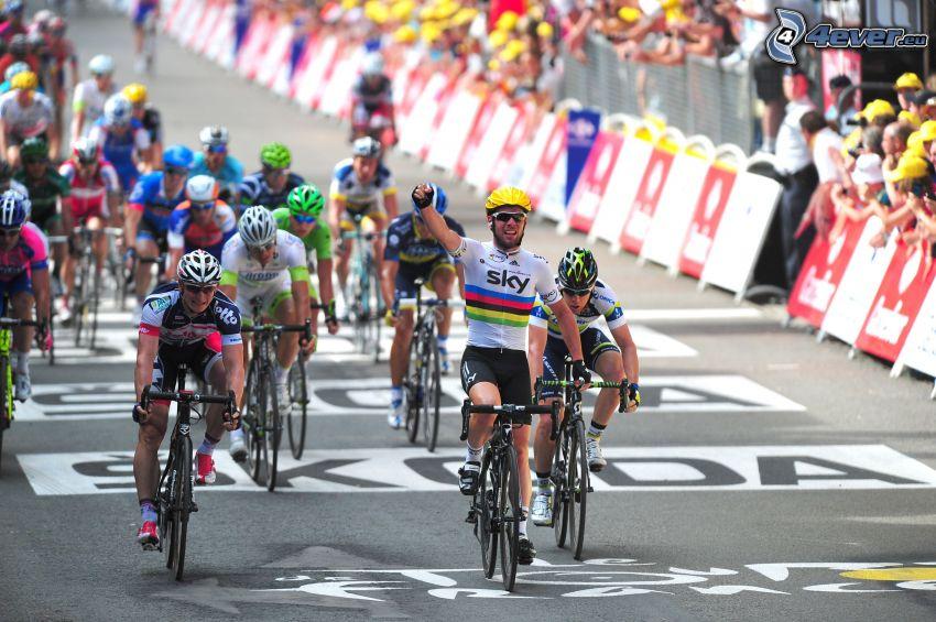 Tour De France, meta, zwycięzca