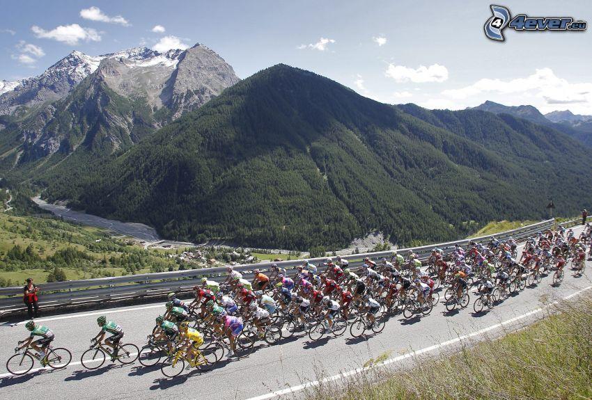 Tour De France, rowerzyści, wzgórza, góry, widok, ulica