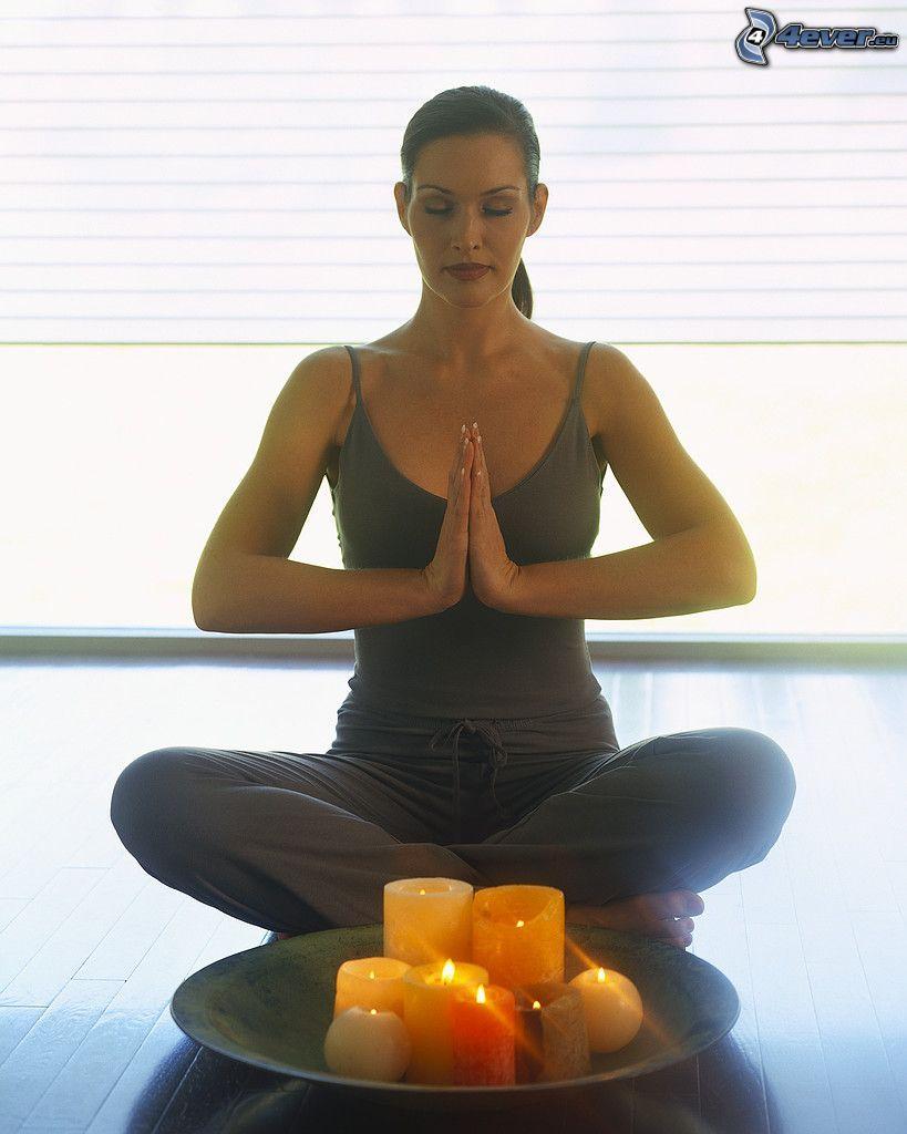 medytacja, joga, siad po turecku, Świeczki