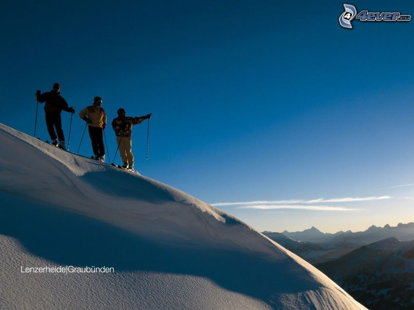 narciarze, widok na krajobraz, śnieg