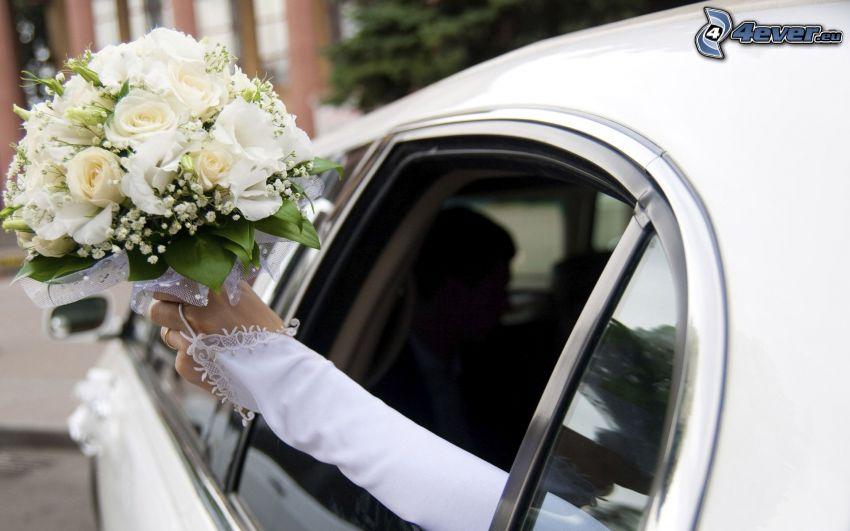 bukiet ślubny, limuzyna