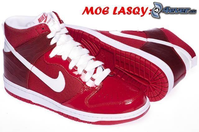 Nike, czerwone trampki