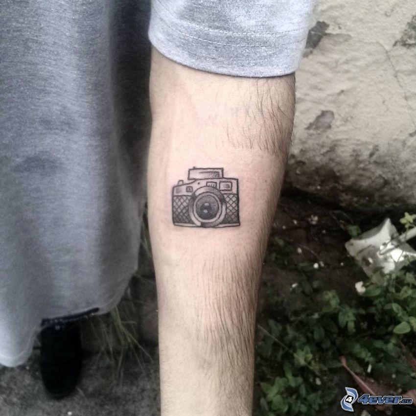 tatuaż, aparat fotograficzny, ręka