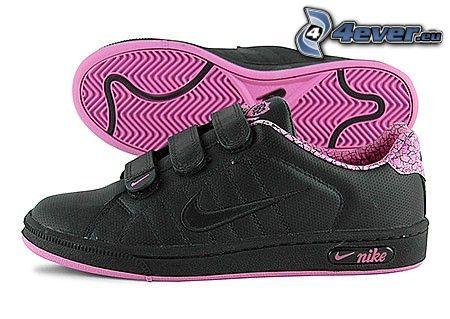 Nike, czarne trampki