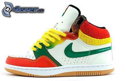 Nike, kolorowe trampki
