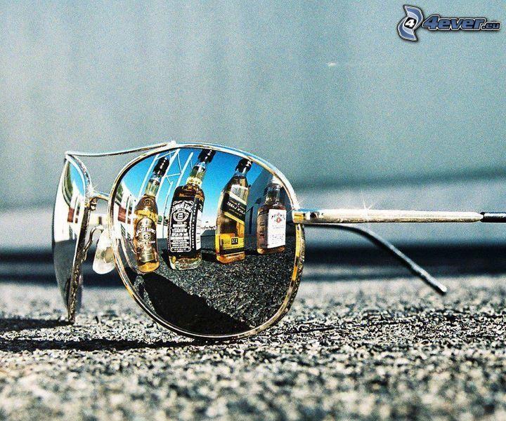 okulary przeciwsłoneczne, alkohol