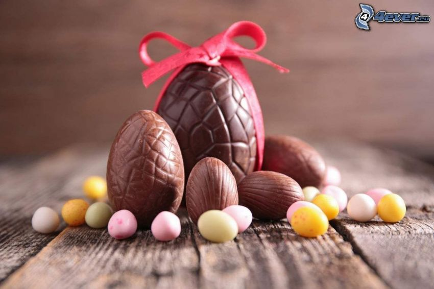 wielkanocne jajka, czekoladowe jajko, wstążka