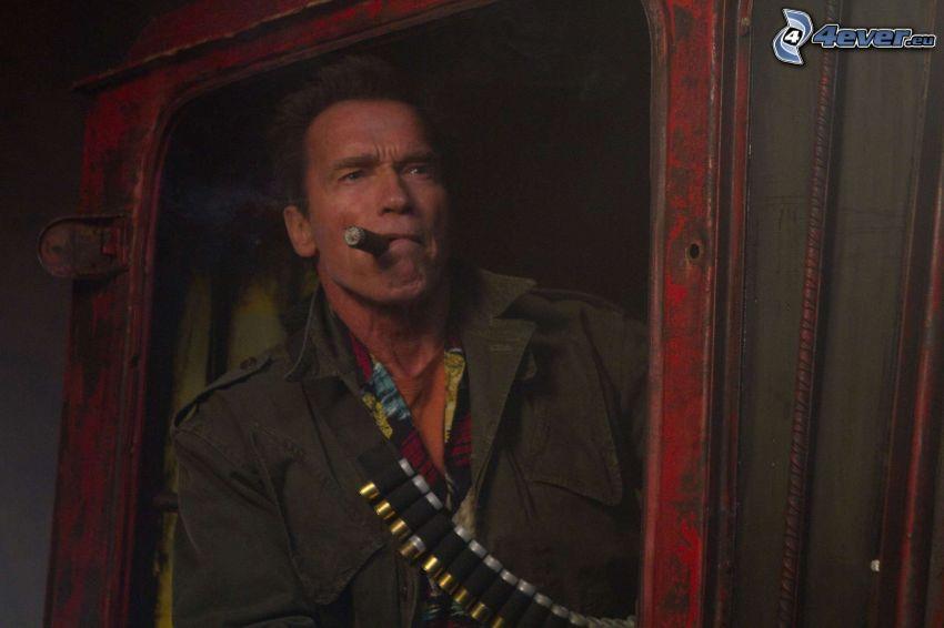 The Expendables 2, Arnold Schwarzenegger, cygaro
