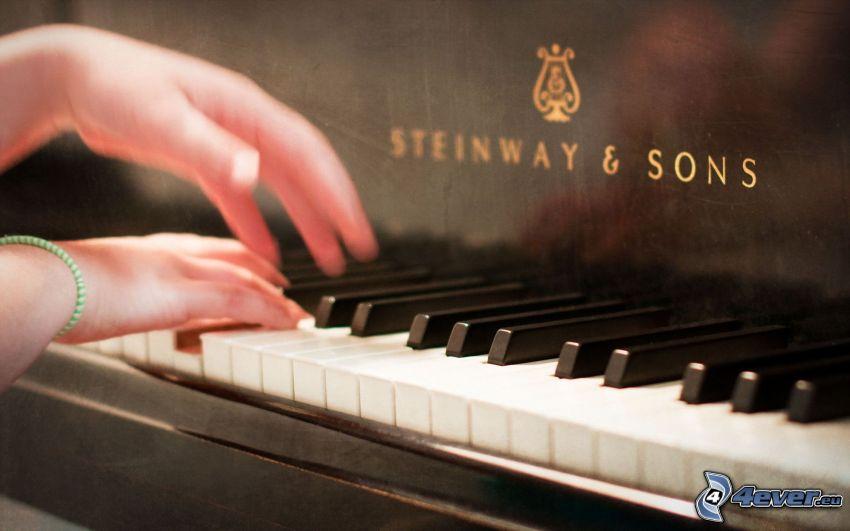 gra na fortepianie, ręce
