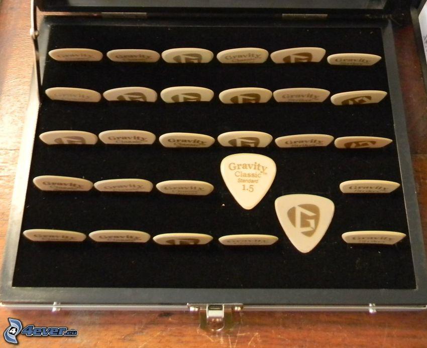 piórko do gitary, pudełko