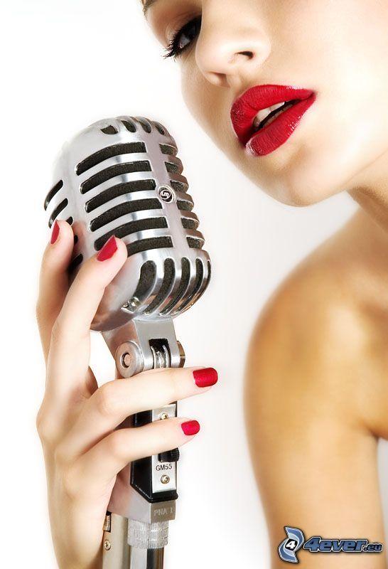 piosenkarka, mikrofon