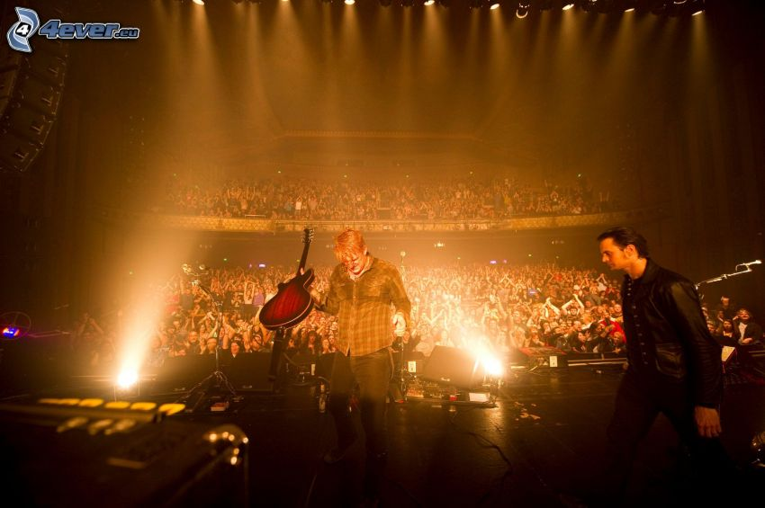 Queens Of The Stone Age, koncert, megaparty