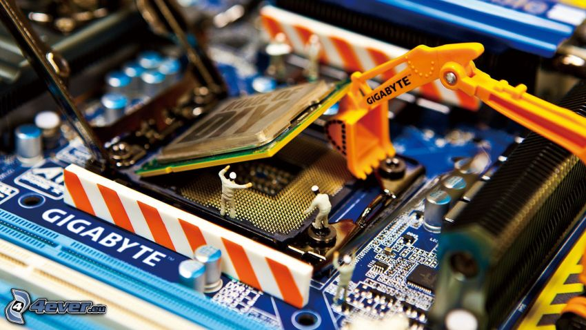 procesor, płyta główna, ciągnik, pionki
