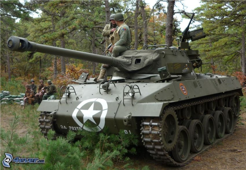 M18 Hellcat, czołg, żołnierze, las iglasty