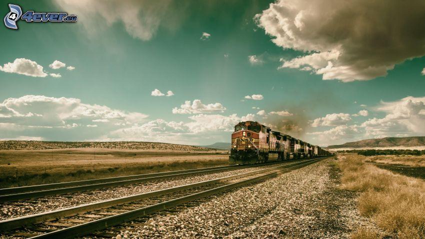 pociąg, pole, chmury