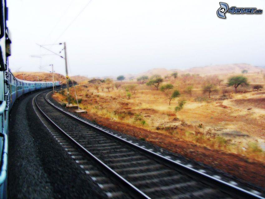 pociąg, tory kolejowe, Indie