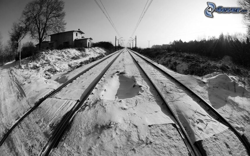 przejazd kolejowy, tory kolejowe, śnieg