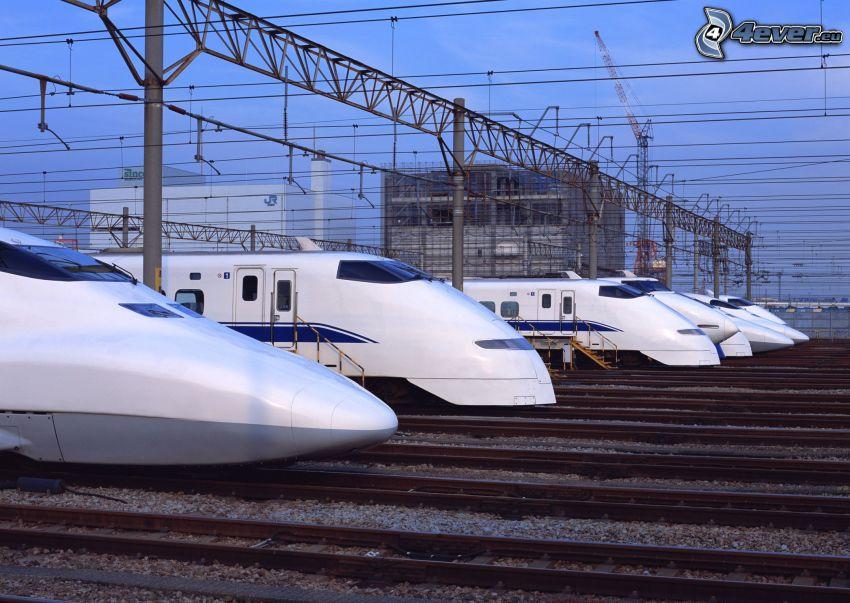 Shinkansen, szybka kolej, stacja kolejowa, tory kolejowe