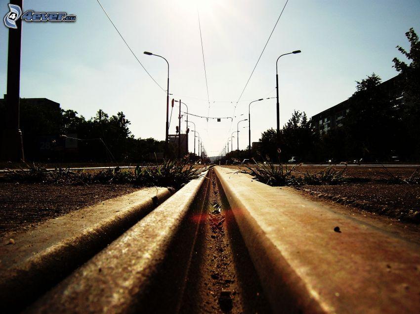 tory kolejowe, uliczne oświetlenie
