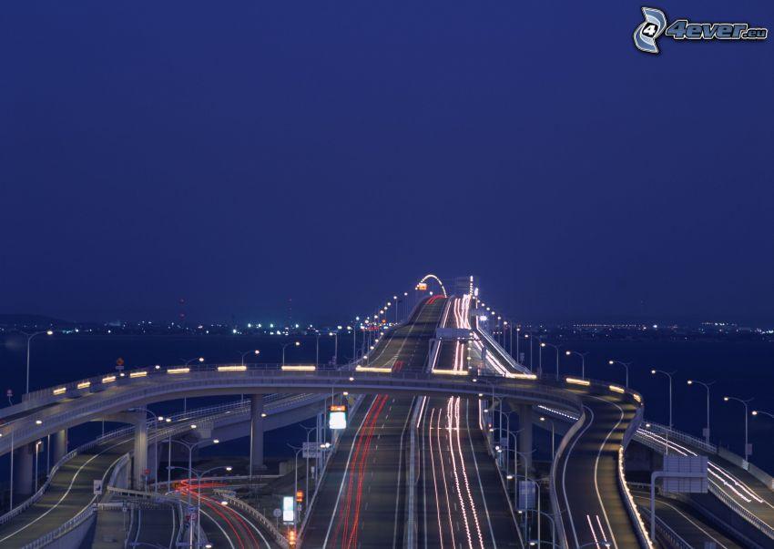 wieczorna autostrada, most na autostradzie, transport