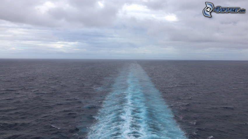 za statkiem, morze otwarte