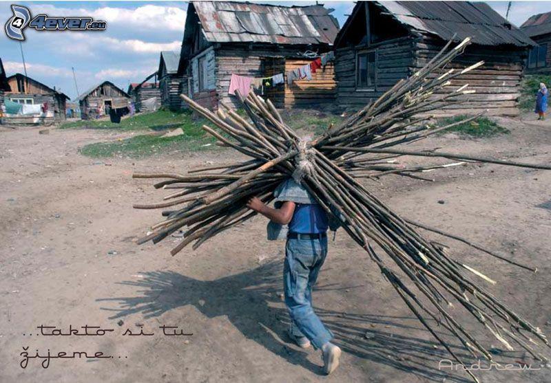 cygańska osada, drewno, krzyż