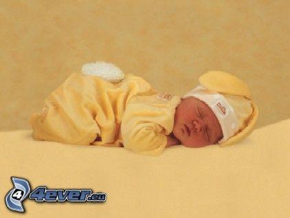 śpiące dziecko, kostium zająca