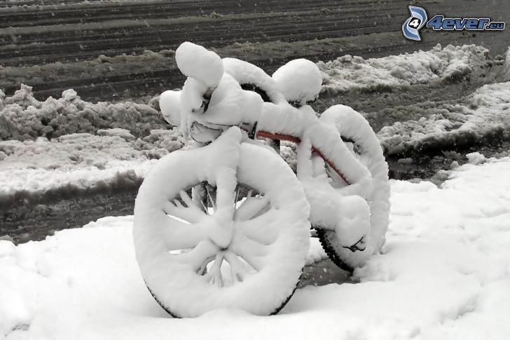 rower, śnieg